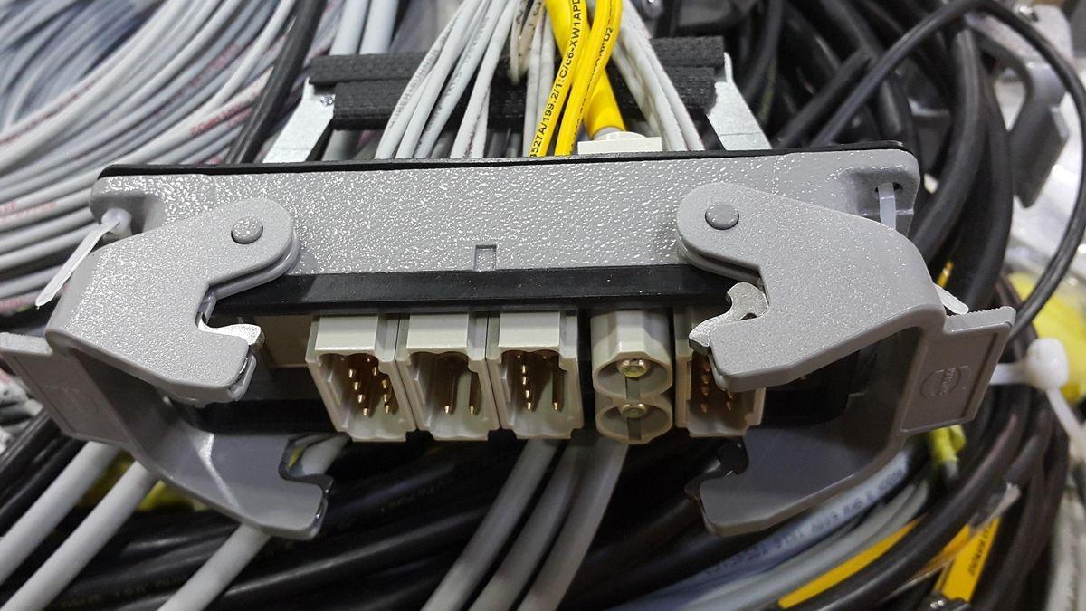 Kable elektryczne 32